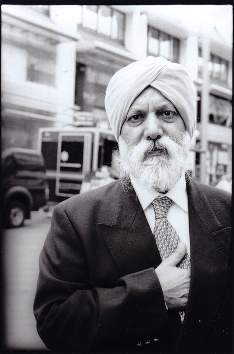 Ilford-HP5-ISO-400-Sikh-Man-copy-small