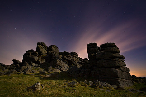 moonlight_dartmoor_houndtor_moonlight_02a