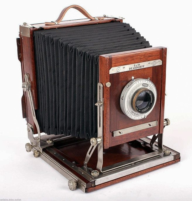 folding wooden large format camera