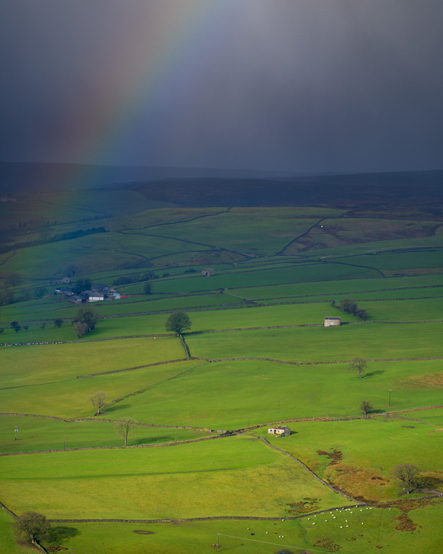 Nidderdale, 1/320th sec at F5.6, GF100-200mm at 200mm